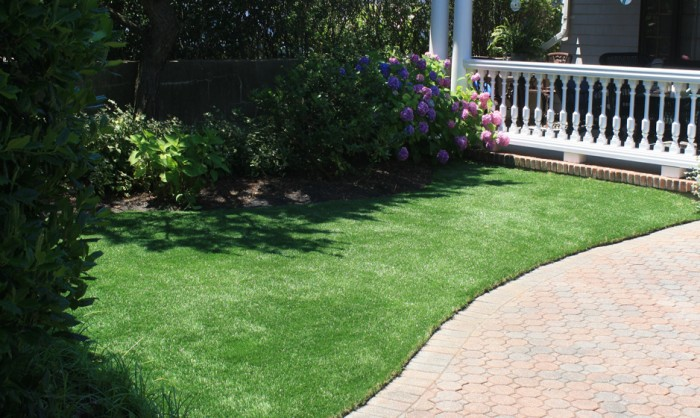 Synthetic Grass for Landscape Lawns and Residential Property